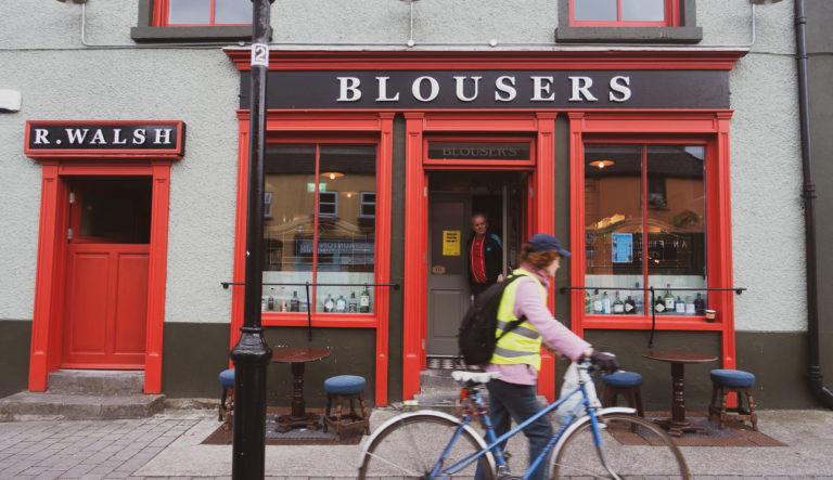 blousers pub westport