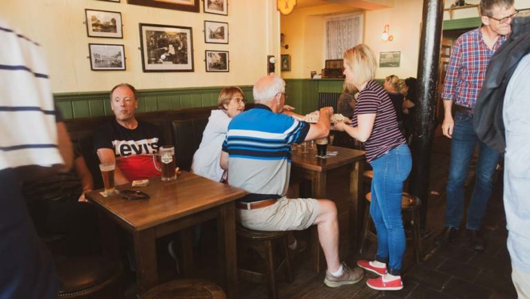 free sandwiches with guinness in irish pub