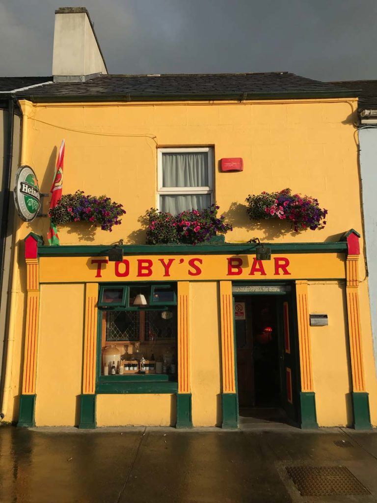 tobys bar westport